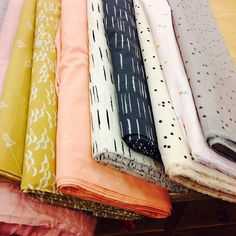 Paris fabric shopping guide - via What Katie Sews #Europe #France