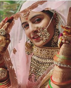 Beautiful Rajasthani traditional attire and jewellery. Indian Bridal Outfits, Indian Bridal Fashion, Indian Wedding Jewelry, Bridal Jewelry, Silver Jewelry, Silver Rings, Rajasthani Bride, Rajasthani Dress, Bridal Looks