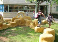 Pneus usados e reciclados viram playgrounds e móveis