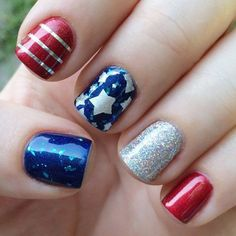Looking for cool, all-American ideas for your of July nail designs? We've got 20 awesome nail art designs to show off your patriotism this Independence Day! Of July Nail Designs July 4th Nails Designs, 4th Of July Nails, Nail Art Designs, Seasonal Nails, Holiday Nails, Christmas Nails, Gel Nails, Acrylic Nails, Nail Polish