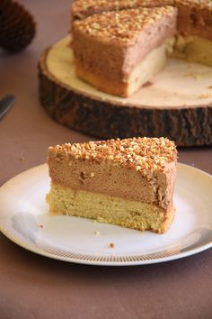 Gâteau nuage praliné – Maman Pâtisse You are in the right place about pastry decoration Here we offer you the most beautiful pictures about the pastry Sweet Recipes, Cake Recipes, Dessert Recipes, Cloud Cake, Low Calorie Desserts, Fancy Desserts, Savoury Cake, Food Cakes, Coffee Recipes
