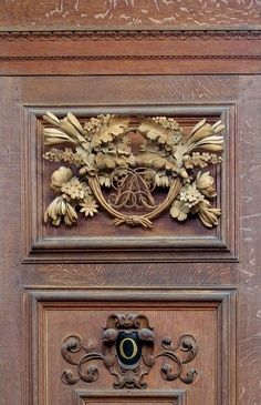 Hampton Court Palace Carvings | Image detail for -... Hampton Court carving