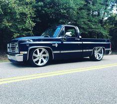 trucks chevy old Jeep Pickup Truck, Chevy Trucks Older, Silverado Truck, Custom Chevy Trucks, Classic Pickup Trucks, Chevy Pickup Trucks, Chevy C10, Gm Trucks, Chevrolet Trucks