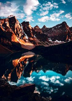 Enantiodromija & Via jude_allen // Moraine Lake Source by jbancevic Landscape Photography Tips, Mountain Photography, Nature Photography, Photography Backgrounds, Moraine Lake, Beautiful Places, Beautiful Pictures, Beautiful Moments, Jolie Photo