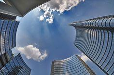 Milano guarda in alto Foto di Luigi Alloni #milanodavedere Milano da Vedere