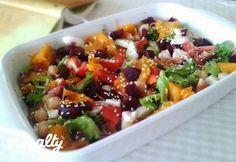 Csicseriborsós-sütőtökös-céklás saláta | Nosalty Salad Recipes, Diet Recipes, Chicken Recipes, Healthy Recipes, Fruit Salad, Cobb Salad, Winter Food, Kung Pao Chicken, Salads