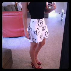 H&M Statement Skater Skirt Flirty, Sassy, Short and Sexy! Back zipper closure. Size 4 H&M Skirts
