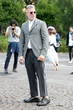 Pitti Uomo Street Style: The Boys Show a Little (Ankle) Skin - Fashionista Old Man Fashion, Older Mens Fashion, Mens Fashion Suits, Men's Fashion, Formal Fashion, Nick Wooster, Street Style 2014, Most Stylish Men, Men Formal