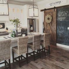 Farmhouse kitchen ideas (7) pantry door and chalk board
