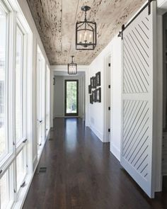 9 Noteworthy Rustic Wood Ceilings | COCOCOZY