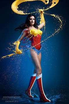 Increíbles imágenes de Superheroinas con trajes de pintura líquida de Jaroslav Wieczorkiewicz