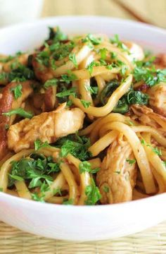 Low FODMAP Recipe and Gluten Free Recipe - Ginger noodles with chicken http://www.ibs-health.com/low_fodmap_ginger_noodles_chicken.html