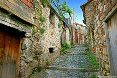 Cyprus Pitsilia region Agros village Greece Painting, North Cyprus, Old Houses, Old Town, Abandoned, Kai, Places To Go, Beautiful Places, Scenery