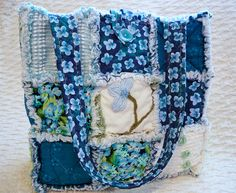 Blue Rag Quilt Tote. Hand Quilting, Quilting Ideas, Quilt Patterns, Sewing Patterns, Rag Quilt, Quilts, Diy Totes, Quilted Tote Bags, Aqua Blue