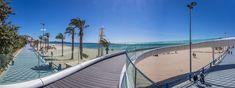 Playa del Postiguet. Los puentes te llevan hasta el Mediterráneo