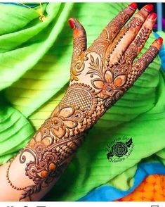 Striking Khafif mehndi designs collection for hands to try in 2019 Pakistani Henna Designs, Latest Bridal Mehndi Designs, Full Hand Mehndi Designs, Henna Art Designs, Modern Mehndi Designs, Mehndi Designs For Girls, Wedding Mehndi Designs, Mehndi Designs For Fingers, Dulhan Mehndi Designs