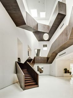 Jogo de escada no interior. Arquiteto: Neri & Hu Design e Research Office. Fotógrafo: Shen Zhonghai.
