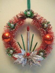 Vintage Christmas Wreath  #vintagechristmas #vintagechristmasdecor #vintagechristmasdecorations #vintagechristmasideas   #vintagechristmaswreath