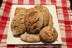 Easy and fast recipe for delicious rye baguettes!