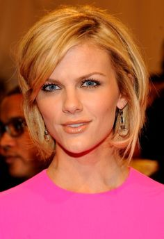 Brooklyn Decker Demonstrates 7 Ways To Style A Bob Haircut  (a possible cut -for when I get the courage to get rid of my long hair)