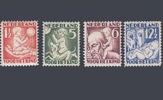 """De kinderpostzegels uit 1930 met het thema """"De vier jaargetijden"""". Ontwerp: A. v.d. Vossen"""