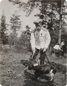 Tsar Nicholas II (Nikolay Alexandrovich Romanov) (1868-1918) Russia in Finland & Joy the Spaniel of 5th child & only son Alexei Nikolaevich Romanov (1904-1918) Russia