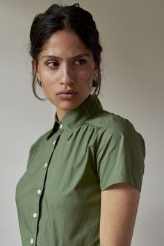 MODEL 2 - STEPHANIE – Room 502 Best Work Dresses, Essential Wardrobe Pieces, Meghan Markle Style, Cotton Shirt Dress, Working Woman, Green Fashion, Ethical Fashion, French Fashion, Ladies Dress Design