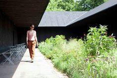 Serpentine Gallery Pavilion 2011 / Peter Zumthor,Serpentine Gallery Pavilion 2011, designed by Peter Zumthor. Photo by Walter Herfst