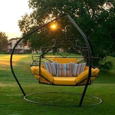 The Hanging Lounger by Kodama Zome Outdoor Swing Bed / Lounge - Outdoor Fabric Central Hammock Swing, Pergola Swing, Porch Swing, Hammocks, Cheap Pergola, Pergola Kits, Outdoor Beds, Outdoor Living, Outdoor Furniture