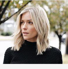 collar bone hair length Hair is so gorgeous Collarbone Length Hair, Collar Bone Hair Length, Kristin Cavallari Hair, Medium Hair Styles, Curly Hair Styles, Hair Medium, Brown Blonde Hair, Blonde Lob, Mid Length Blonde Hair