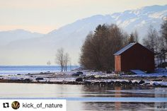 Boathouse i Nord Norge. #MoIRana #reiseblogger #reiseliv #reisetips #reiseråd  #Repost @kick_of_nature with @repostapp  Naust (boathouse) #nature#natur#canon#naust#boathouse#bestofnorway#bestoflandscapes#norway #nordnorge