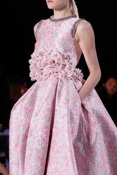#BeautyofElegance♥♠Giambattista Valli Haute Couture Spring 2015.