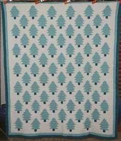 30's Green Pine Christmas Tree Pieced Antique Quilt!