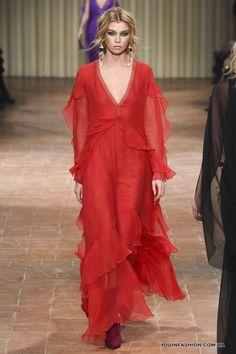 Модные красные платья 2018