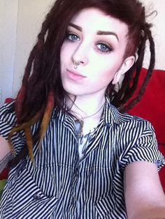 Dreadlock Mohawk, Dreadlock Hairstyles, White Girl Dreads, Dreads Girl, Sisterlocks, Locs, How To Start Dreadlocks, Short Undercut, Beautiful Dreadlocks