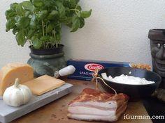 """Špagety """"Carbonara""""   ... alebo ako pripravujem ja """"Špagety Carbonara"""". Klasický taliansky recept poznám. A určite aj mnohí z vás. Je veľmi chutný a jednoducho sa pripravuje. Pri príprave sa používajú výraznejšie (zrejúce) syry ako napríklad Pecorino Romano alebo Parmigiano Reggiano."""