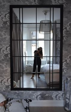 Exceptional smart home decor advice info are offered on our site. Take a look and you wont be sorry you did. Ikea Mirror Hack, Diy Mirror, Ikea Hack, Ikea Bedroom, Diy Bedroom Decor, Diy Home Decor, Interior Design Living Room, Living Room Designs, Flur Design