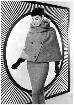 Jacky Mazel is wearing tweed suit with short cape instead of jacket by Lanvin-Castillo, photo by Philippe Pottier, 1956