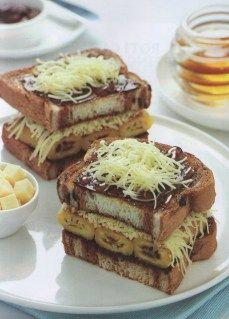 Roti Bakar Pisang madu KraftResep Masakan Indonesia : Roti Bakar Pisang Madu KraftBahan :4 lembar roti tawar1 sendok makan margarin50 ml madu6 buah pisang raja, pipihkan50 gram selai cokelat100 gra…