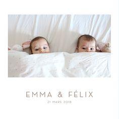 Élégant faire-part de naissance pour jumeaux et jumelles au format livret pour le plaisir d'ajouter 4 photos de vos nouveau-nés ! #birthcard #twins #pics