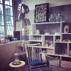 Clo'eT in lab ora! #design #interior #cloet #cloetlab #bergamo #instagram #natale #laboratorio #white #domincapomeriggio #now