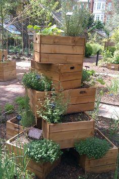 love this vertical herb garden