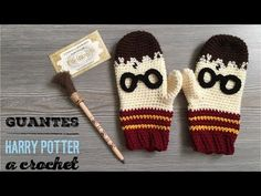 Knitting Patterns Newborn Guantes Harry Potter a crochet Crochet Kids Hats, Crochet Mittens, Crochet Gloves, Mittens Pattern, Crochet Gifts, Crochet Pattern, Harry Potter Hat, Harry Potter Crochet, Harry Potter Sorting Hat