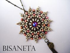 Superduo Pendant by Bisaneta Instructions: https://www.youtube.com/watch?feature=player_embedded&v=m6acIZZ8pFY#