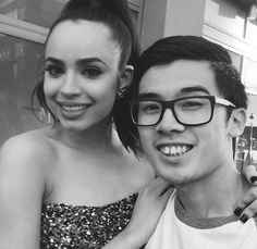 Sofia Carson // RDMA 2016 // With a fan