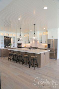 Home kitchens - 2019 Salt Lake Parade of Homes Recap – Home kitchens Interior Modern, Home Interior, Interior Design Kitchen, Home Design, Design Ideas, Kitchen Designs, Kitchen Layout Design, Modern Luxury, Design Design