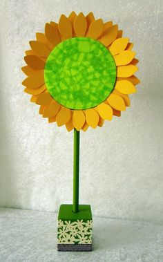 National Craft Month: Bright and Cheery Daisy table décor by Lindsay Obermeyer using Smoothfoam