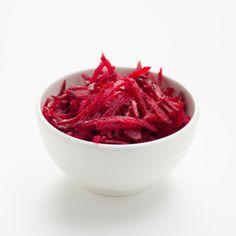 Preiswertes und gesundes Rezept: Der Rote-Rüben-Salat enthält viel Eisen und vertreibt die Müdigkeit.