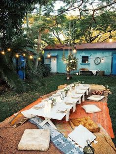 Summing Dining   Dine in bohemian style this summer! We love this boho set up....