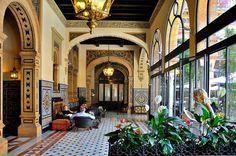 Sevilla : Hotel Alfonso XIII  / Starwood Hotel! Yes.